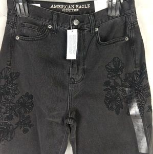 American eagle embroidered black mom jeans